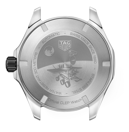 TAGHeuer-CLEP-8-Aquaracer-fond-996x1024
