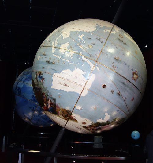 Les globes de Coronelli de la BNF