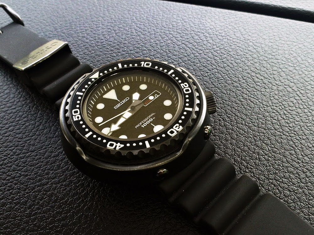 Seiko-Darth-Tuna-SBBN011-Monochrome-watches