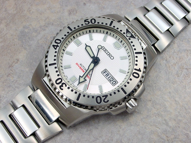 Seiko White Knight SKX781